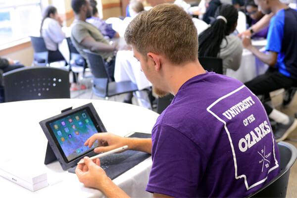 Student w/ iPad