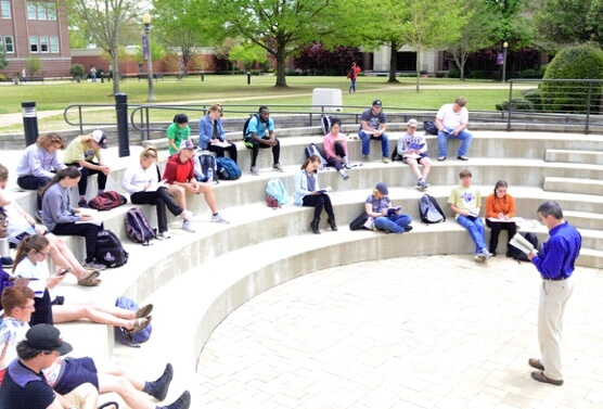 students in amphitheatre